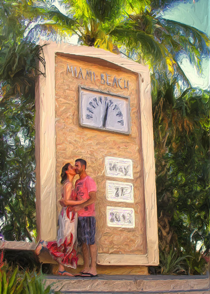 For decades, honeymooners have posed in front of the Ocean Drive Thermometer